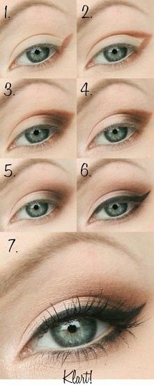 Delikatne podkreślenie oka :) Chcesz więcej propozycji makijażowych? Zaobserwuj mój profil ♡♡♡