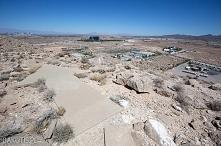 Kilka lat temu para Amerykanów ponoć odkryła na bezludziu zagadkową betonową ...