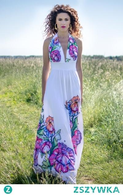 Suknia ślubna w kwiaty. Projektant - Milita Nikonorov