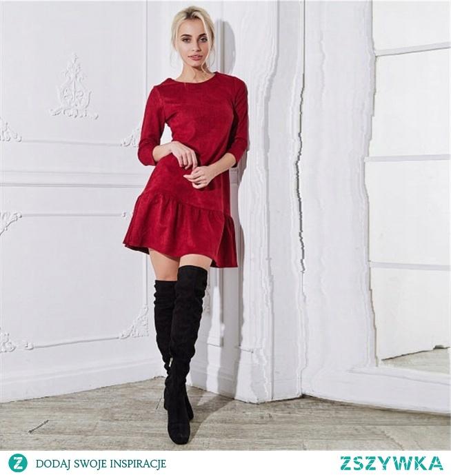 Często szukamy sukienki na święta. Czerwona, z falbaną idealnie sprawdza się w tym klimacie. Kliknij w zdjęcie i zobacz inne kolory!