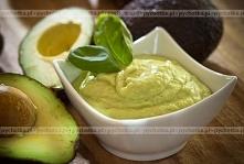 Pasta z avocado z tahiną