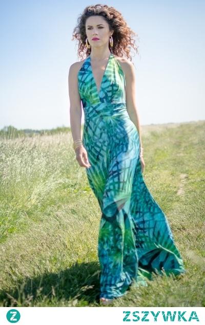 Długa suknia z roślinnym nadrukiem