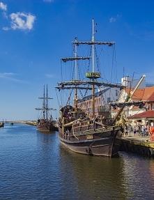 Port Darłówko, Statki wycieczkowe na krótkie rejsy w morze