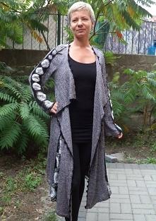 Długi swetr szyty i szydełk...