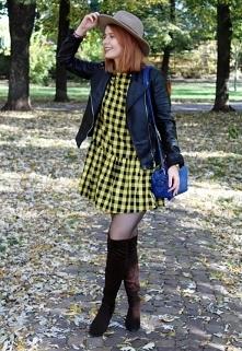 Żółta sukienka w kratę od SecretGar z 25 listopada - najlepsze stylizacje i ciuszki