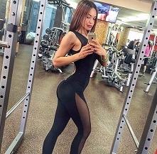 Jednoczęściowy strój na siłownię robi niemałe wrażenie! Kliknij w zdjęcie i zobacz gdzie go kupić!