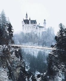 Zamek Neuschwanstein w Niemczech ❄️