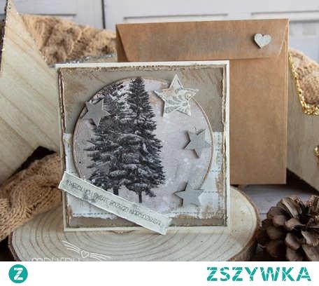 Kartka pełna uczuć i słów, wykonana dłońmi.  Przepiękny podarek na Święta Bożego Narodzenia.   Zestaw: Kartka + przyozdobiona koperta.  ❧ Wielkość – około 15,6cm x 15,6 cm.  ❧ Personalizacja - Wnętrze kartki wypełnione białym ozdobnym polem do wypisania odręcznego lub na życzenie - wypełnione nadrukowanymi, przesłanymi słowami.  ❧ Materiał: Do wykonania kartek wykorzystywane są papiery ozdobne najwyższej jakości, ekologiczne, o fakturze materiału, elementy przestrzenne oraz drewniane, naturalne sznureczki, kolorowe wstążki, media. Kopera wykonana z pasującego kolorystycznie papieru.