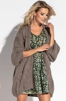 Fobya F569 sweter mocca Piękny, lekki kardigan damski - wykonany został z przyjemnej wełnianej dzianiny, luźny fason świetnie wygląda na sylwetce, kardigan ozdobiony pięknym war...