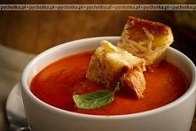 Pomidorowy krem z chlebkiem
