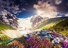 Bajkowy gruziński krajobraz, puzzle po kliknięciu w obrazek ;)