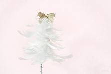 Choinka z piórek-urocza świąteczna dekoracja. Szczegóły po kliknięciu w obrazek.