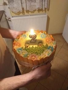 Taki tort zrobiłam mojej coreczce na urodzinki :)