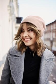 W poszukiwaniu idealnej czapki. KILKNIJ aby kupić.
