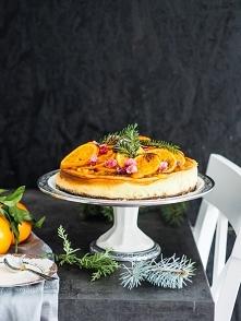 Sernik pomarańczowy z kandyzowanymi w cukrze owocami