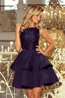 Granatowa mocno rozkloszowana sukienka z koronką - ideał na Sylwestra, studniówkę, karnawał czy wesele - numoco