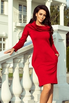 Ciepła czerwona sukienka z ...