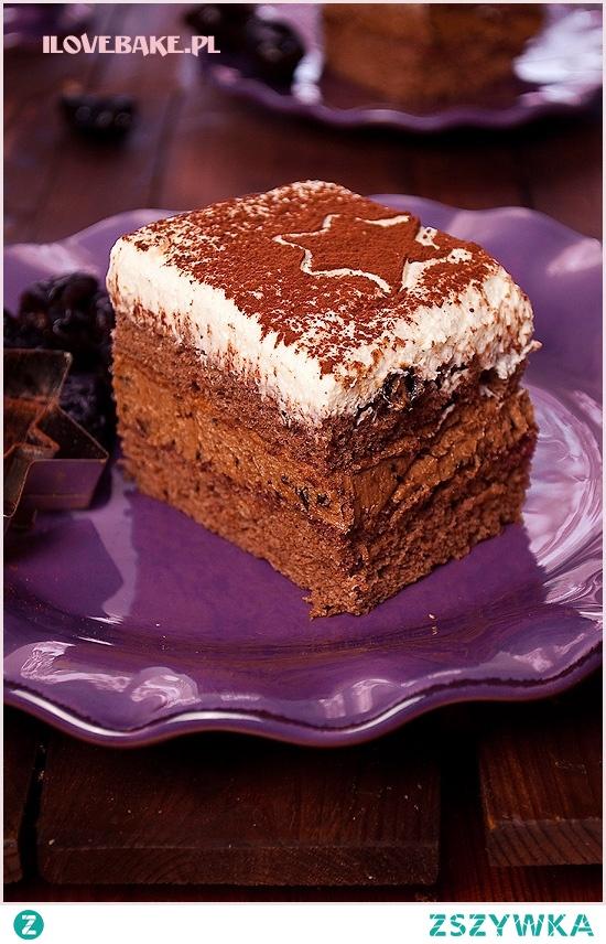 """Ciasto """"pijana śliwka"""" z nutellą i suszonymi śliwkami – przepis"""