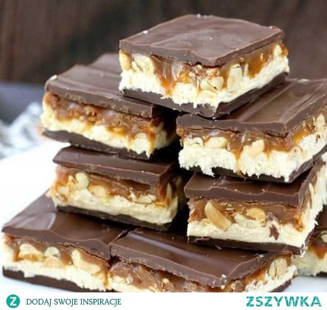 Snickers ciasto – gotowe w 30 minut – bez pieczenia!