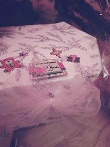 Różowy papier i trochę tiul...