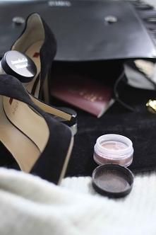 Naturalne kosmetyki kolorowe do twarzy - minerały