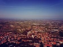 Widok Włoch ze szczytu w San Marino. San Marino, 2018 :)