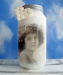 Dziewczynka. Ręcznie malowany i ozdobiony słoiczek z kolekcji Kindheit