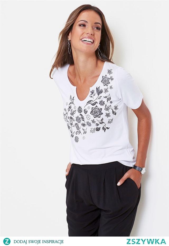 Shirt z biało czarnymi motywami - link w komentarzu