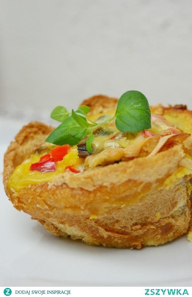 Muffiny wytrawne - jajeczne babeczki w chlebku tostowym. PRZEPIS