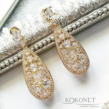 Gold earrings ^o^