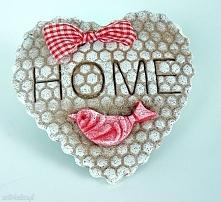 Piernikowe serce z ptaszkiem z napisem HOME. Kolekcja  Mein Haus
