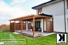Zadaszenie tarasu z drewna wyposażone w żaluzje – możliwość ustawienia żaluzji pod dowolnym kątem. Świetne miejsce na wypoczynek na świeżym powietrzu. Możliwość wykonania zadasz...