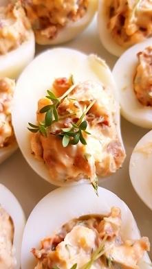 Jajka faszerowane suszonymi...