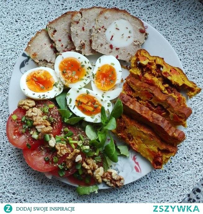 Śniadania białkowo-tłuszczowe – propozycje posiłków