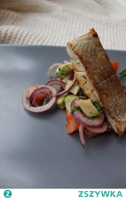 Dzień dobry, jeżeli szukacie inspiracji na obiad to zapraszam na blog. Dorsz z pomidorową salsą <3 zdrowe-wybory.blogspot.com