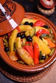 Tadżin z kurczakiem i warzywami (tażin, tajin) - przepis tradycyjny z Maroka