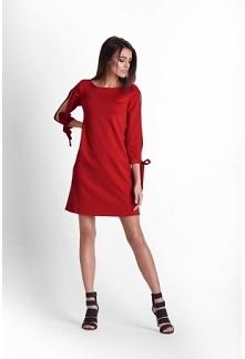Czerwona, trapezowa sukienk...