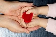 Dlaczego w pierwszych latach życia matka jest ważna dla dziecka? Jak dziecko ...