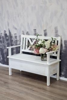 patynowana ławka ze skrzynią
