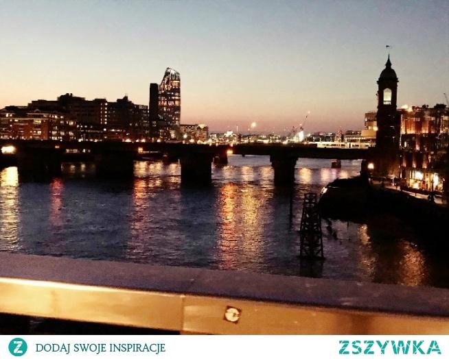 London at night *.*