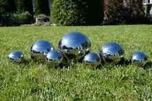 siedem kul ogrodowych ze stali nierdzewnej w rozmiarach 1 x 20 xm, 2 x 15 cm ...