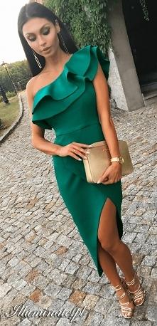 Asymetryczna sukienka z falbanką od Illuminate.pl <3