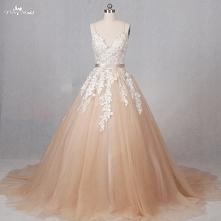 suknia w kolorze szampana