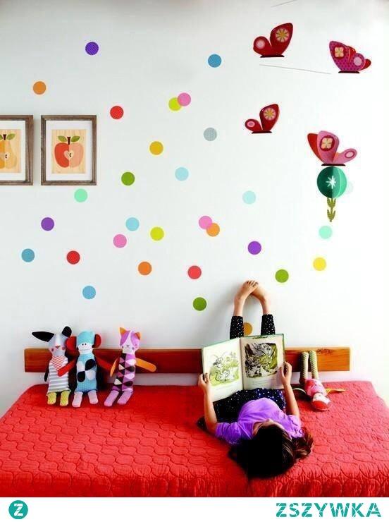 Jak udekorowaliście pokój Waszego dziecka?  Kolorowe obrazki w drewnianych ramach to świetny pomysł na wykończenie wnętrza :)