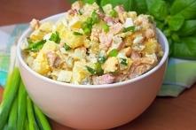 Wiejska sałatka z ziemniakami i boczkiem