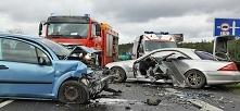 Wypadek niemieckim samochodem na terenie Polski oznacza często wiele problemó...