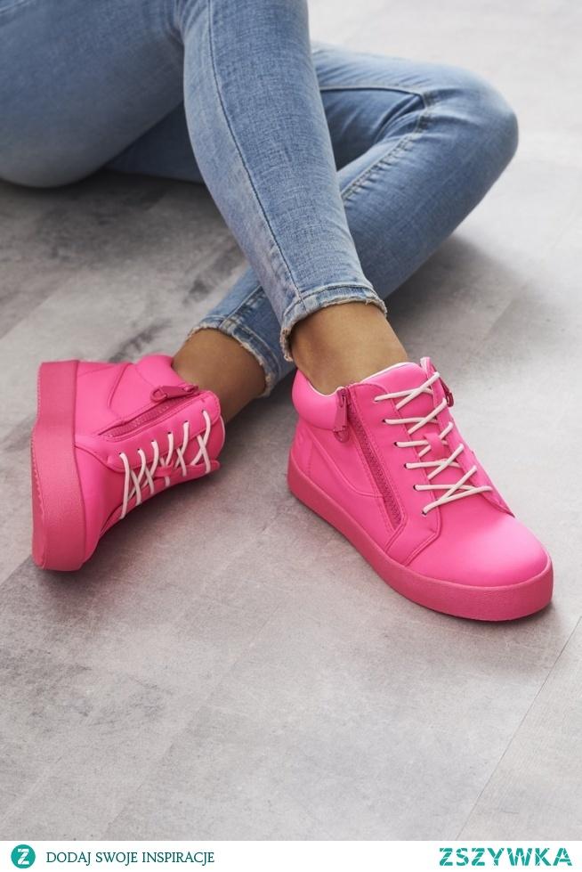 Różowe sneakersy TAK czy NIE? Do kupienia > KLIK W ZDJĘCIE