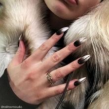 Paznokcie press on by nailroomstudio.com Zdjęcie przesłane przez moją klientkę z USA. Manicure idealny, paznokcie wykonane na zamówienie bez konieczności odbywania wizyty w salo...
