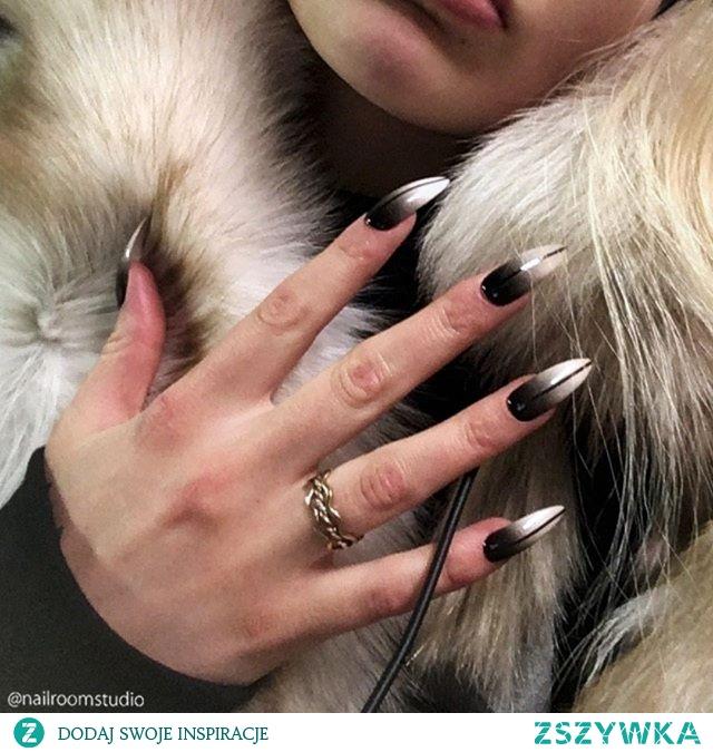 Paznokcie press on by nailroomstudio.com Zdjęcie przesłane przez moją klientkę z USA. Manicure idealny, paznokcie wykonane na zamówienie bez konieczności odbywania wizyty w salonie i spędzania tam 2 godzin. Teraz możesz zaplanować swój manicure, zamówić paznokcie z każdego miejsca na Ziemi (tak! wysyłka międzynarodowa) i cieszyć się idealnymi paznokciami przez długi czas! Sprawdź insta @nailroomstudio by Iga Otczyk