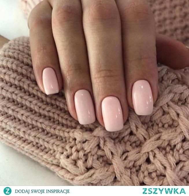 Laski która poleci sprawdzony lakier do paznokci w takim kolorze? ❤️